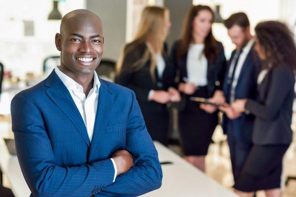 Liderando com sucesso: os passos para exercer uma liderança eficaz