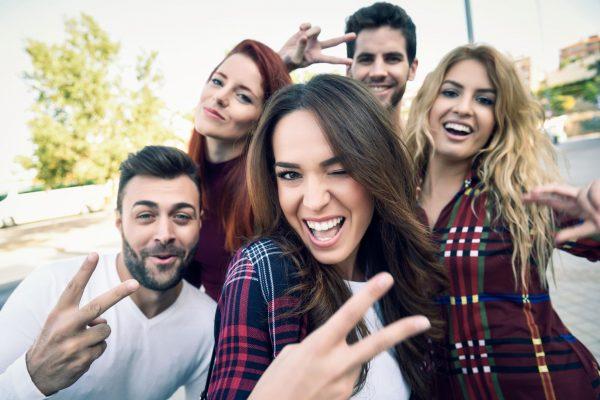 Como transformar jovens adultos em consumidores